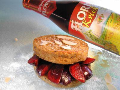 Pan francés con cerezas, almendras y cerveza Floris Kriek