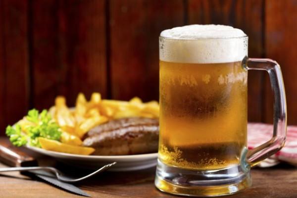 Los bebedores moderados de cerveza siguen el patrón alimentario de la Dieta Mediterránea, según expertos
